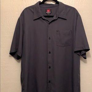Men's Quicksilver button up short sleeve shirt